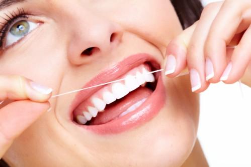 Chảy máu chân răng: Dấu hiệu nhiều căn bệnh nguy hiểm