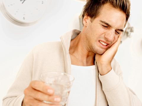 Chăm sóc răng miệng nhanh chóng và hiệu quả tại nhà với 4 cách đơn giản