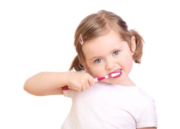 Những bước giúp trẻ đánh răng đúng cách các mẹ nên biết